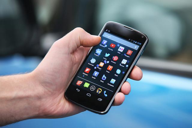 سامانه استعلام شماره سریال گوشی های وارداتی در گمرک راه اندازی شد